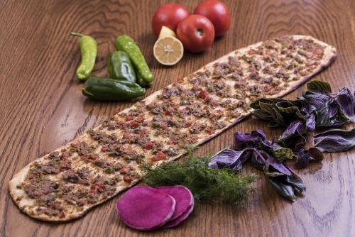 Konya Etli Ekmek